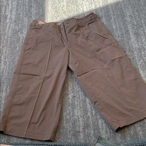 Anthropologie khaki Bermuda shorts sz 6